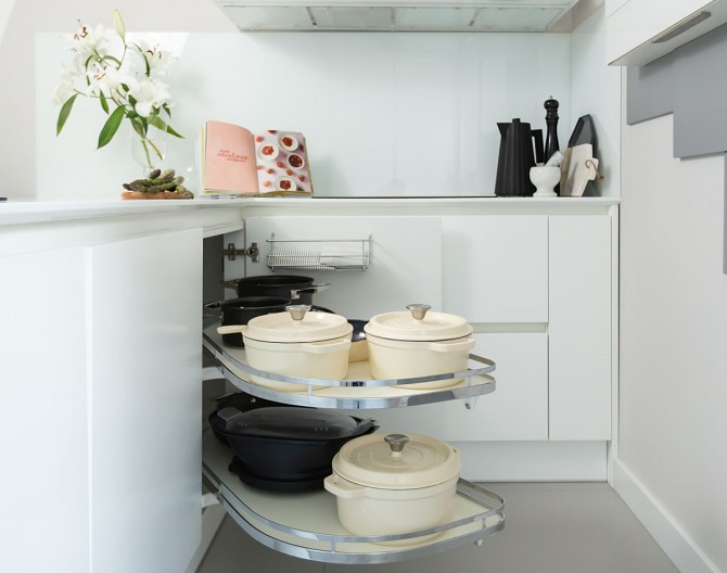 Aranżacja kuchni, wygodne przechowywanie produktów